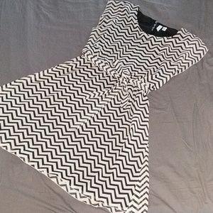 Fashionable Tacera black & cream Chevron dress